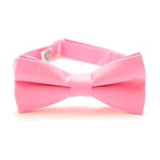 różowa muszka do garnituru dla stylowego mężczyzny