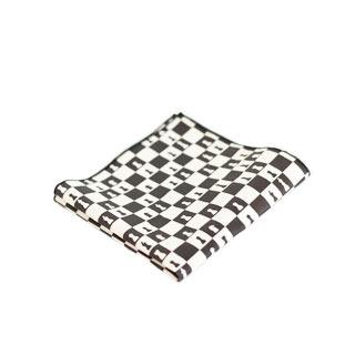poszetka w biało-czarne geometryczne wzory - postaw na modną strategię
